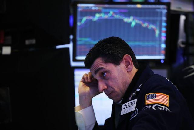 El coronavirus impacta los mercados. El Dow Jones, perdió 1,031.4 puntos al cierre de la Bolsa (-3.56%).