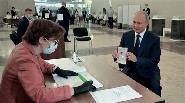 Putin rumbo a permanecer en el poder en rusia hasta el 2036, el 78 % de la ciudadanía rusa apoya la reforma constitucional de continuidad